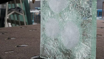 Бронированное стекло для автомобиля